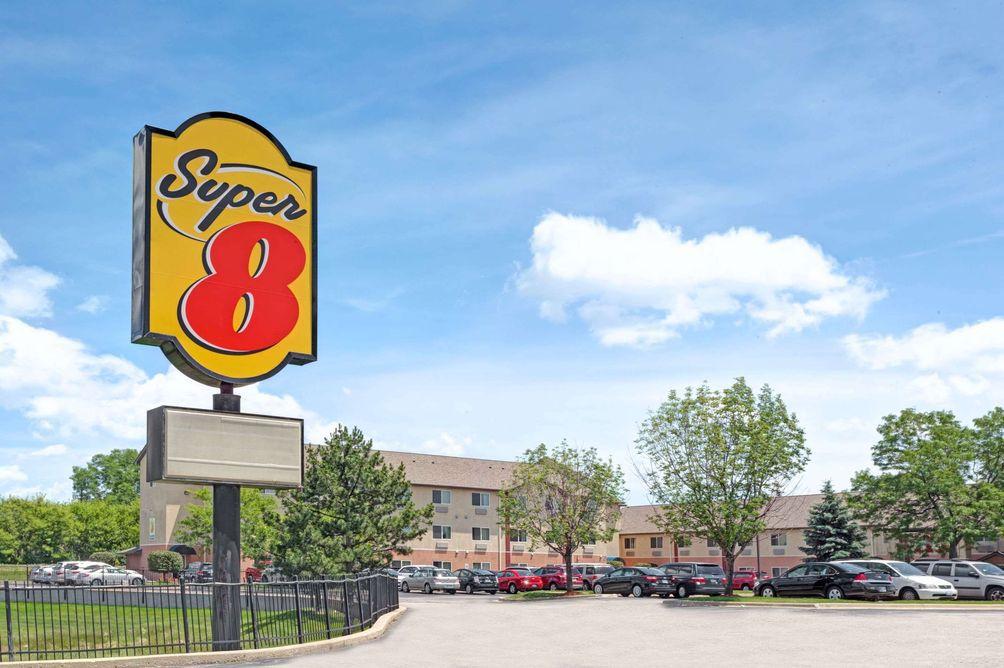 Super 8 O'Hare / Elk Grove Village / Chicago