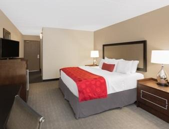 Ramada Hotel Des Moines Airport