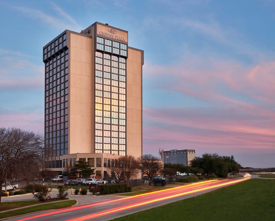 Crowne Plaza Dallas - Market Center