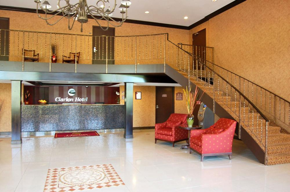 Clarion Inn and Suites Bradley International Airport