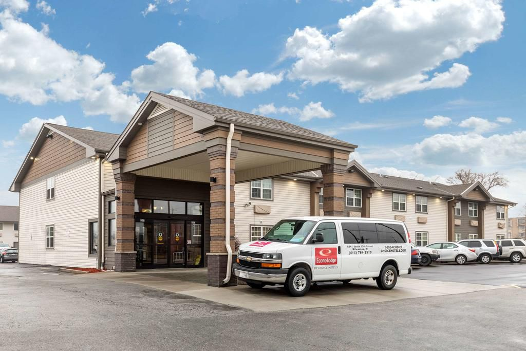 Econo Lodge Milwaukee Airport Hotel