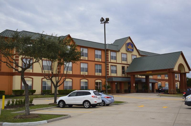 Best Western Plus Hobby Airport Inn & Suites