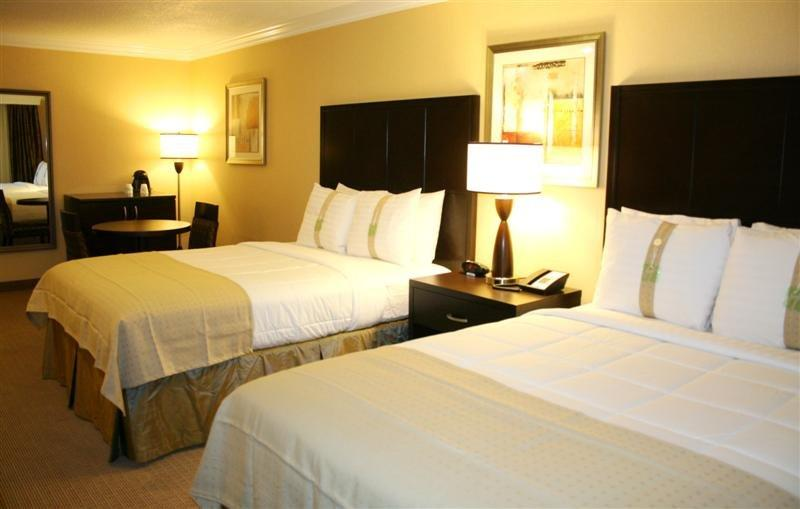 Holiday Inn Hotel & Suites San Mateo