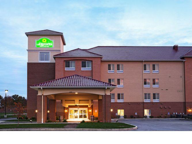 La Quinta Inn & Suites by Wyndham Indianapolis Airport West