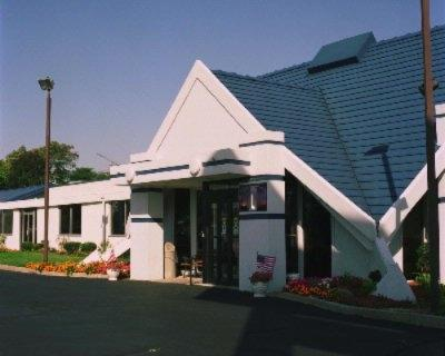 Milwaukee Airport Inn