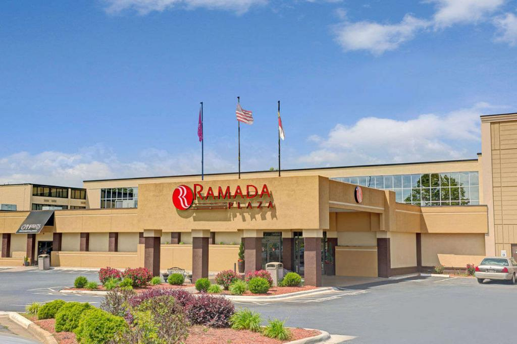 Ramada Charlotte Airport Hotel and Conference Center