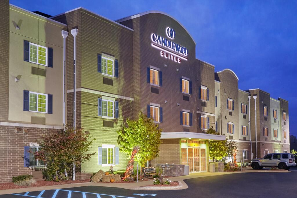 Candlewood Suites Milwaukee Airport