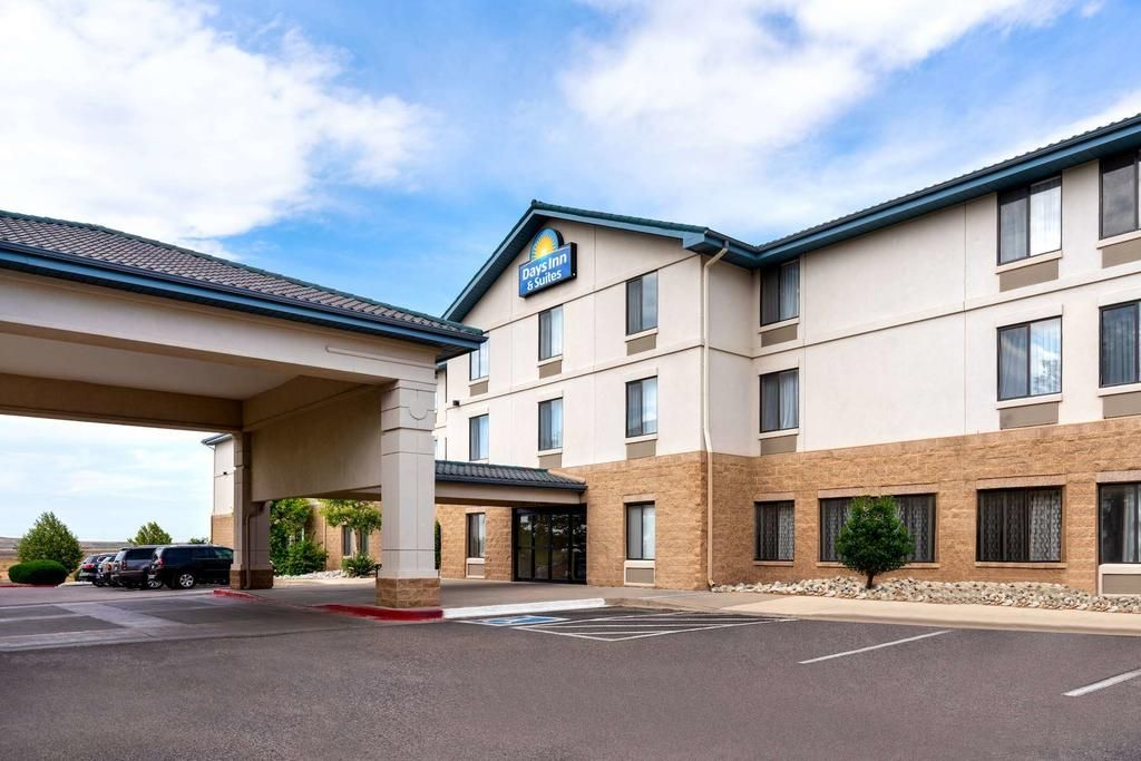 Days Inn & Suites Denver International Airport
