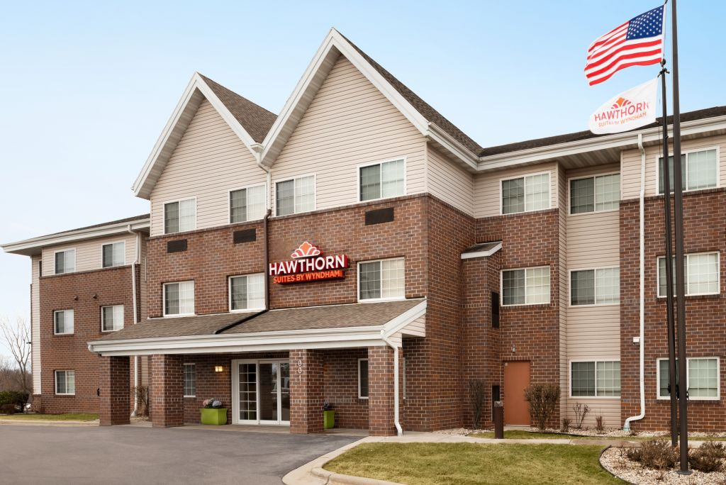 Hawthorn Suites Milwaukee Airport/Oak Creek