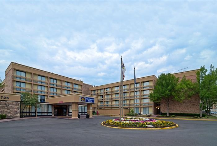 Park sleep fly o 39 hare airport hotels with free parking - Wyndham garden elk grove village o hare ...