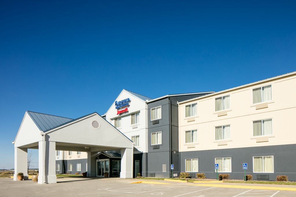 Fairfield Inn and Suites Kansas City Airport