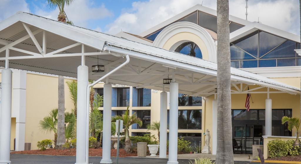 Clarion Hotel Orlando Airport