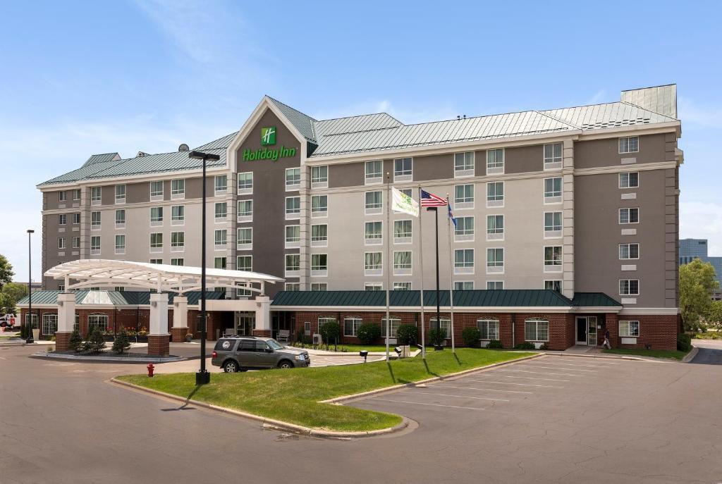 Holiday Inn Bloomington West MSP Airport Area