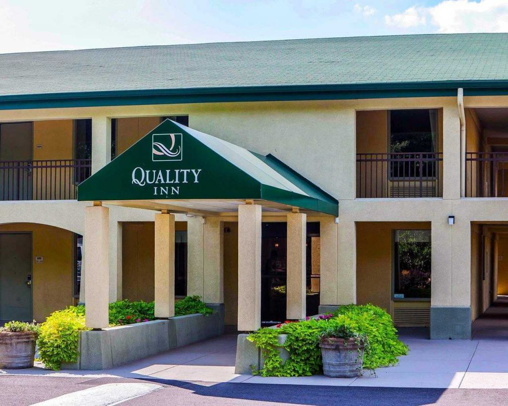 Quality Inn Media