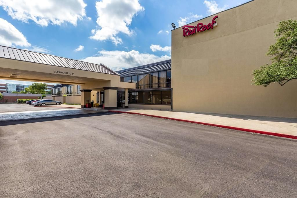 Red Roof Plus & Suites Houston - IAH Airport SW