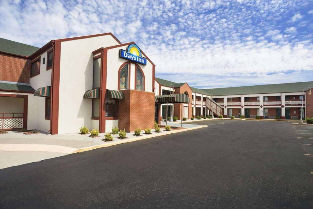 Days Inn by Wyndham Wichita West Near Airport