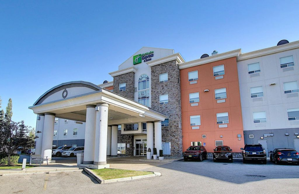 Holiday Inn Express & Suites Airport Calgary