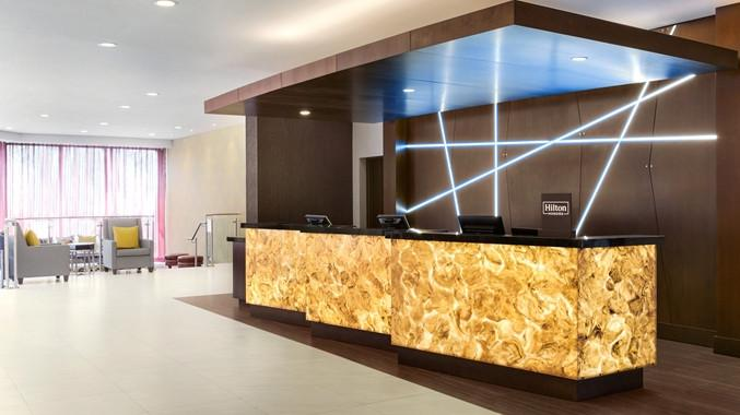 DoubleTree by Hilton Hotel Toronto Airport West