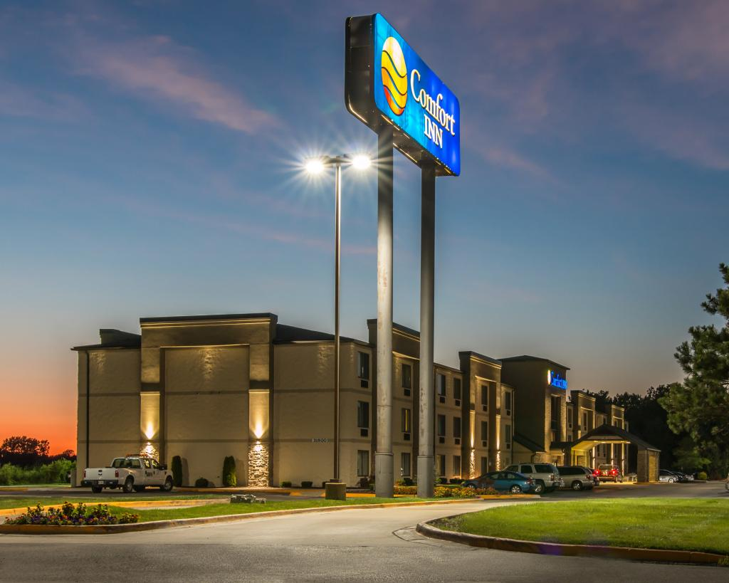 Comfort Inn Detroit Metro Airport -- BRAND NEW HOTEL WIDE RENOVATIONS COMPLETED RECENTLY