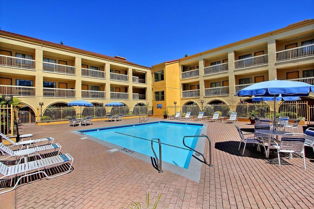 La Quinta Inn Amp Suites San Francisco Airport West Hotel