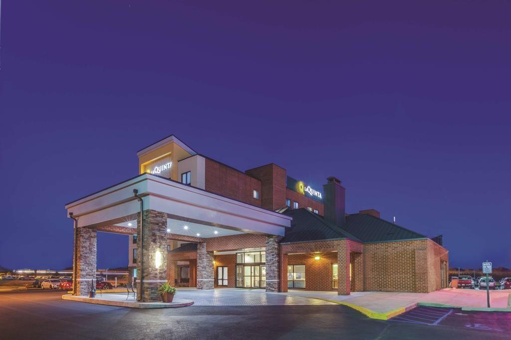 La Quinta Inn & Suites by Wyndham Philadelphia Airport