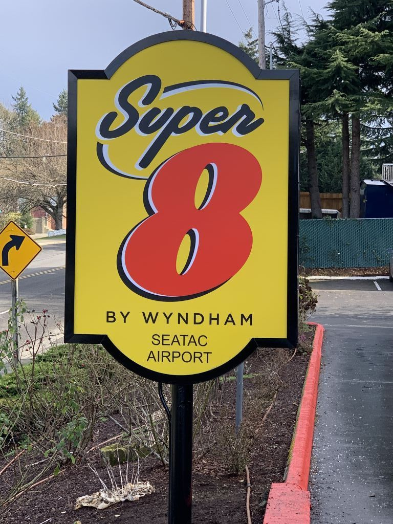 Super 8 by Wyndham, SeaTac Airport