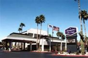 Hampton Inn & Suites Phoenix Sky Harbor Airport