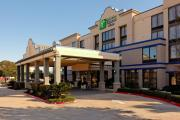 Reserve Park Sleep & Fly at Holiday Inn Express Hotel & Suites Austin Airport