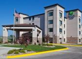Reserve Park Sleep & Fly at Holiday Inn Express & Suites Omaha Airport