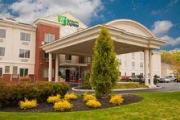 Reserve Park Sleep & Fly at Holiday Inn Express Hotel & Suites Vineland