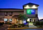 Reserve Park Sleep & Fly at Holiday Inn Express Beloit