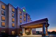 Reserve Park Sleep & Fly at Holiday Inn Express Hotel & Suites Milton