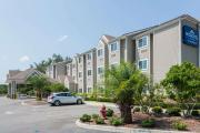 Reserve Park Sleep & Fly at Microtel Inn & Suites by Wyndham Jacksonville Airport