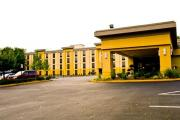 Reserve Park Sleep & Fly at La Quinta Inn & Suites Baltimore South Glen Burnie