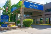 Reserve Park Sleep & Fly at Hotel Tempe/Phoenix Airport Innsuites