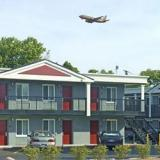 Reserve Park Sleep & Fly at Carlton Inn Midway