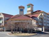 Reserve Park Sleep & Fly at La Quinta Inn & Suites Denver Airport Dia