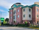 Reserve Park Sleep & Fly at Wingate by Wyndham IAH Hotel