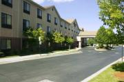 Reserve Park Sleep & Fly at Hampton Inn Detroit/Belleville - Airport Area
