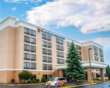 Comfort Inn and Suites Watertown-1000 Islands