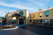Reserve Park Sleep & Fly at La Quinta Inn Buffalo Airport